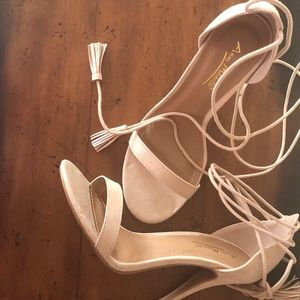 🛍Suede Nude Color Lace Up Heels