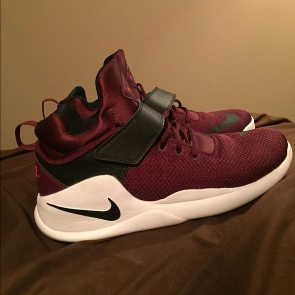 new style 4c475 892e8 Nike kwazi night maroon black basketball shoes. M 59f107dbb4188e28d2006324
