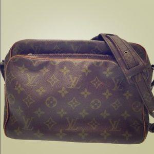 sale✨LV vintage Nile shoulder bag