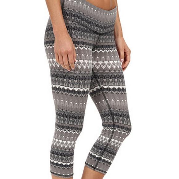 61% off ALO Yoga Pants - ALO YOGA Gray Airbrush Capri Crop Nordic ...