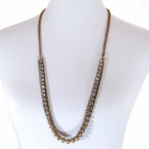 Jewelry - Long necklace: gems with woven red thread