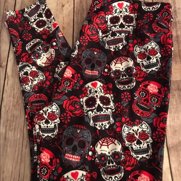 f2dd41e877cc2 Red & Black Sugar Skull Leggings Halloween TC. M_59f11de9f0928229c300cee5
