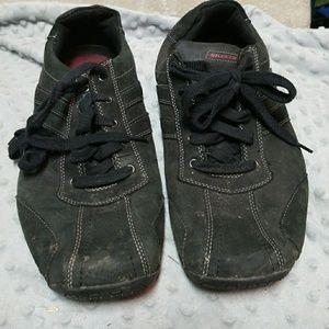 Skechers men sz11 black suede like shoes sneakers