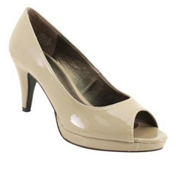 acba1b710f0f Bandolino Shoes - Bandolino Mylah Nude Patent Peep Toe Pump