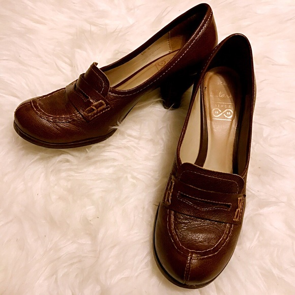 Clarks leather loafer pumps 6.5 Made In Brazil