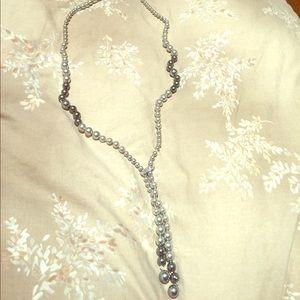 Jewelry - Genuine shell pearl lariat