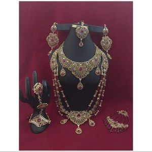Jewelry - NWOT complete Indian bridal set no offers!!!