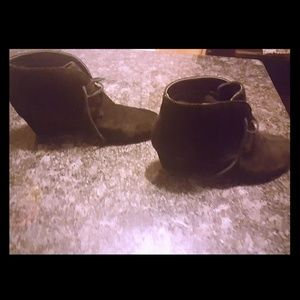 Nine West ankle black booties size 10