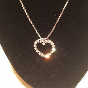 Jewelry - Silver colored heart rhinestone necklace