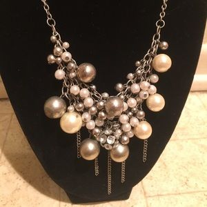 Jewelry - Silver colored faux pearl statement necklace