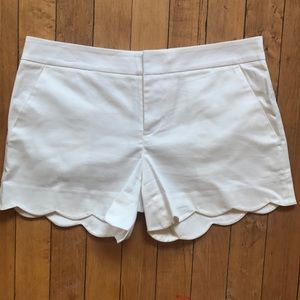 Club Monaco white scalloped shorts size 2