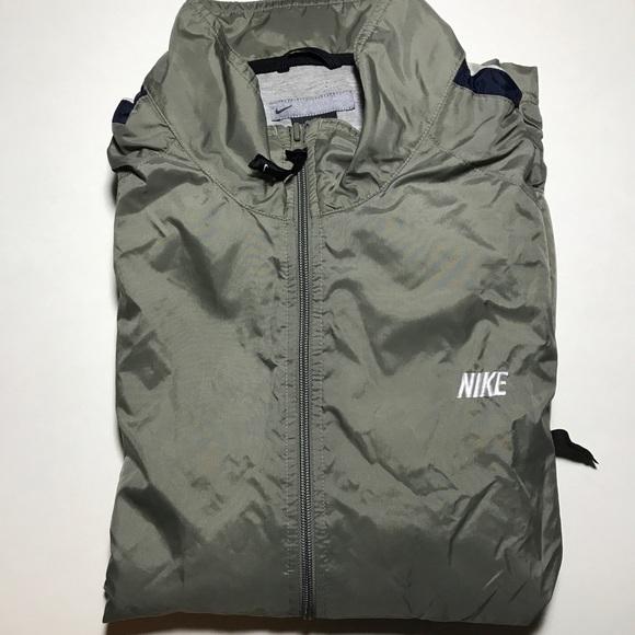 c56bab262dfc Nike Vintage Gray WindCheater Jacket. M 59f13e5ffbf6f92fb2016731