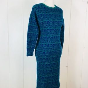 Dresses & Skirts - Vintage sweater dress from 80's.