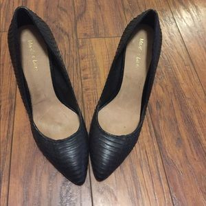 Shoes - Size 10 Black Stilettos by Maiden Lane