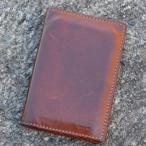 cc6435bf50 Coach Brown Leather Card Case Men's Bifold Wallet