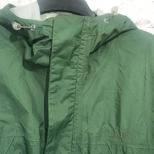 b1d63619622 L.L. Bean Jackets   Coats - L.L. Bean Men s Green Rain Jacket