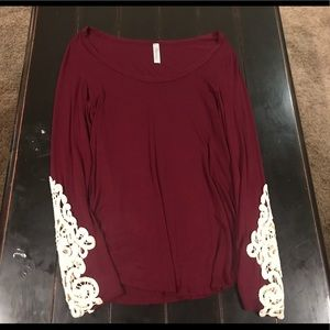 Tops - Women's long sleeved top with cut out lace sleeves