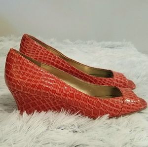 Bandolino Open Toed Orange Wedges