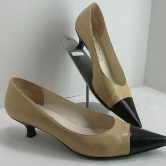 Ferragamo Shoes - Ferragamo Italy Two Tone Black Tan Pumps Shoes 7.5