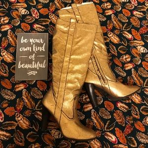 BNIB Crackled Gold Round Toe Knee High Boots 7.5