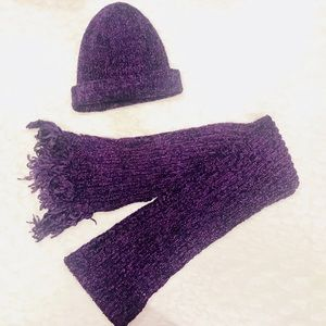 Accessories - Beautiful purple hat and scarf set 💕