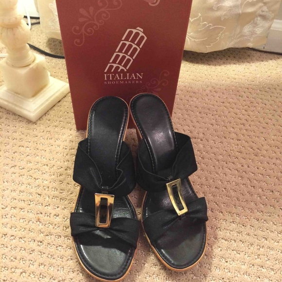 e2d07fe5ce76 Italian Shoemakers Shoes - Black widestrap wedge sandals - Italian  Shoemakers