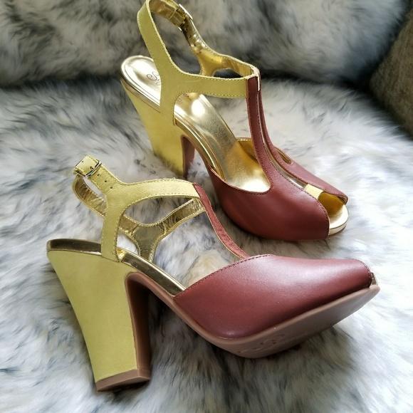 8eadd4846342 Seychelles 70s platform chunky heels 9 yellow. M 5a10789e291a356ac4027cab