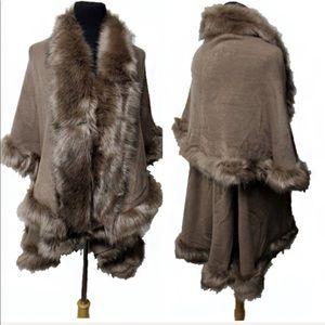 Jackets & Blazers - 🥇HOST PICK Luxurious Faux Fur Double Layer Cape