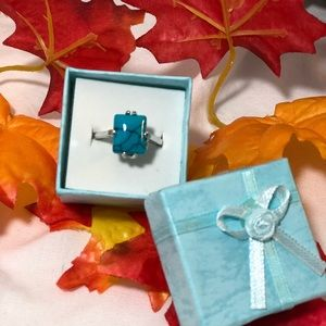 Jewelry - Silver and turquoise blue fashion ring size 9