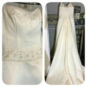 Raylia bride dress