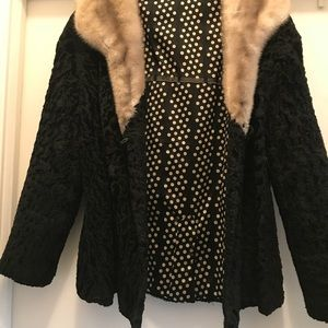 Jackets & Blazers - Vintage Black Lambs Wool w/White Fur Collar