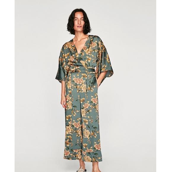 fd62f64a Zara Printed Kimono Jumpsuit. M_59f20f38f0137da05601498e