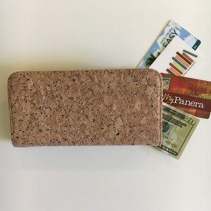 Handbags - NWOT cork wallet