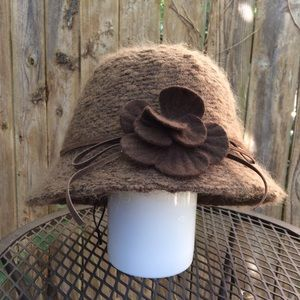 Accessories - Mohair bucket hat