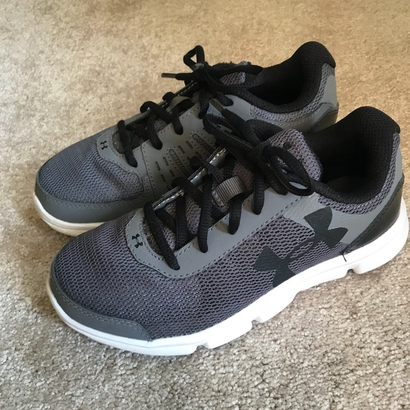 Under Armour Boys Sneakers Size