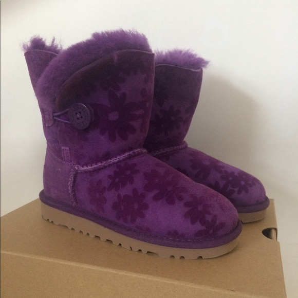18af6ebae74 Ugg girl Bailey Button boots purple flowers 12
