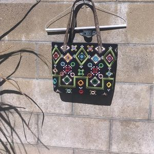 Handbags - 🆕 BLACK PURSE WITH MIRRORS IN FRONT👜