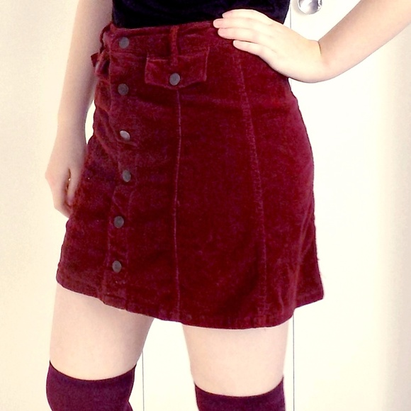 6aaff3157aa5 Mossimo Supply burgundy corduroy button-up skirt. M_59f24487bcd4a7b8880275e3