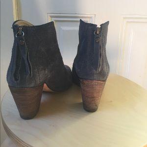 Jigsaw London Shoes - Jigsaw London blue suede Chelsea booties 39