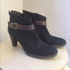 Paul Green black suede booties, brown buckle