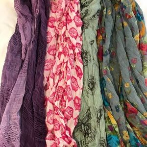 Accessories - Lightweight scarf lot!