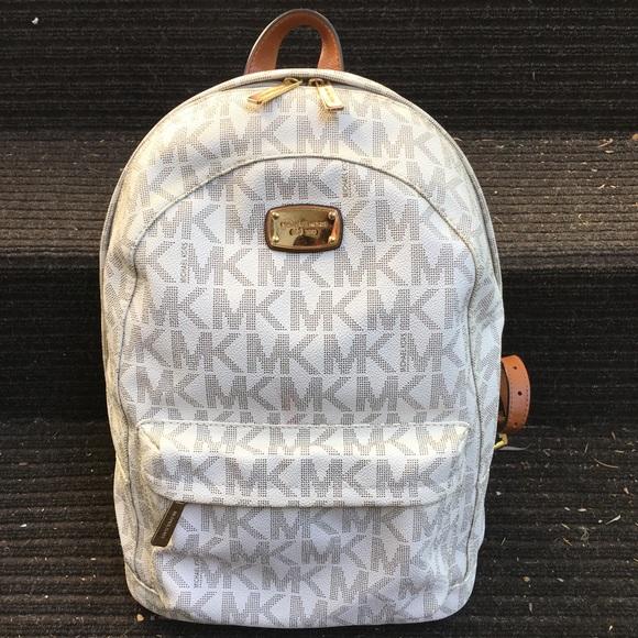 5a6522cea082 Michael Kors Jet Set Backpack Signature MK Vanilla.  M_59f26a63bcd4a72f1b000977