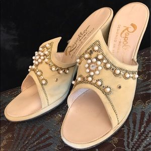 •✨👡 Vtg 50s Olive Suede Jeweled Wedge Heels 👡✨•