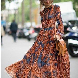 Dresses & Skirts - Boho giraffe print dress