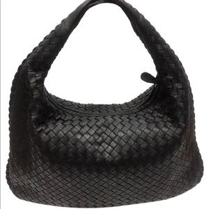 ♦️Sold♦️GOTTEGA VENETA MEDIUM INTRECCIATO VENETA