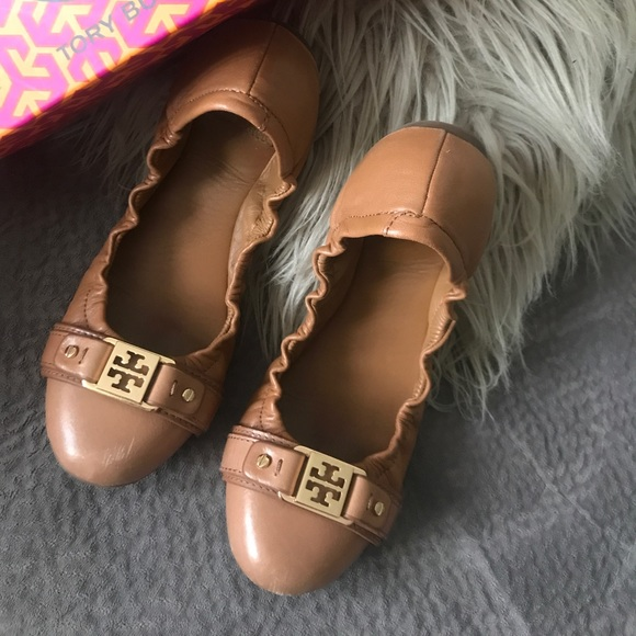 One day sale Closet clear out Tory burch flats ⚡️