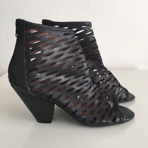‼️Last Chance‼️Jeffrey Campbell Ankle Booties