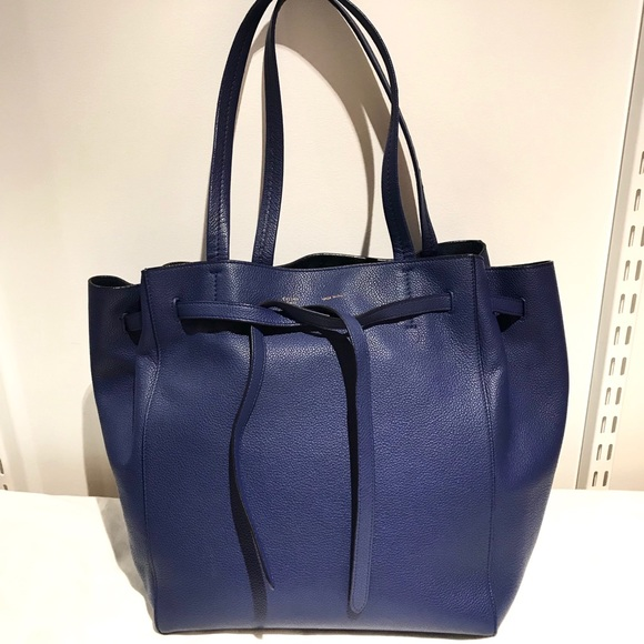 b410c4365f2c Céline Handbags - Authentic Celine Cabas Phantom Medium Leather Tote