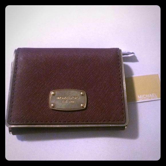 0f8e3cebba18 Michael Kors trifold Dillion wallet. NWT