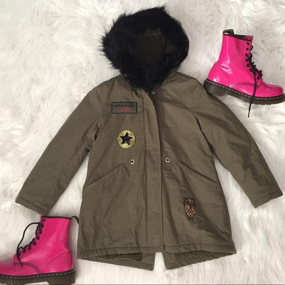 9add45fc ZARA Girls Patch Parka Faux Fur Hood Winter Jacket.  M_59f2d107bf6df5ae120028b7